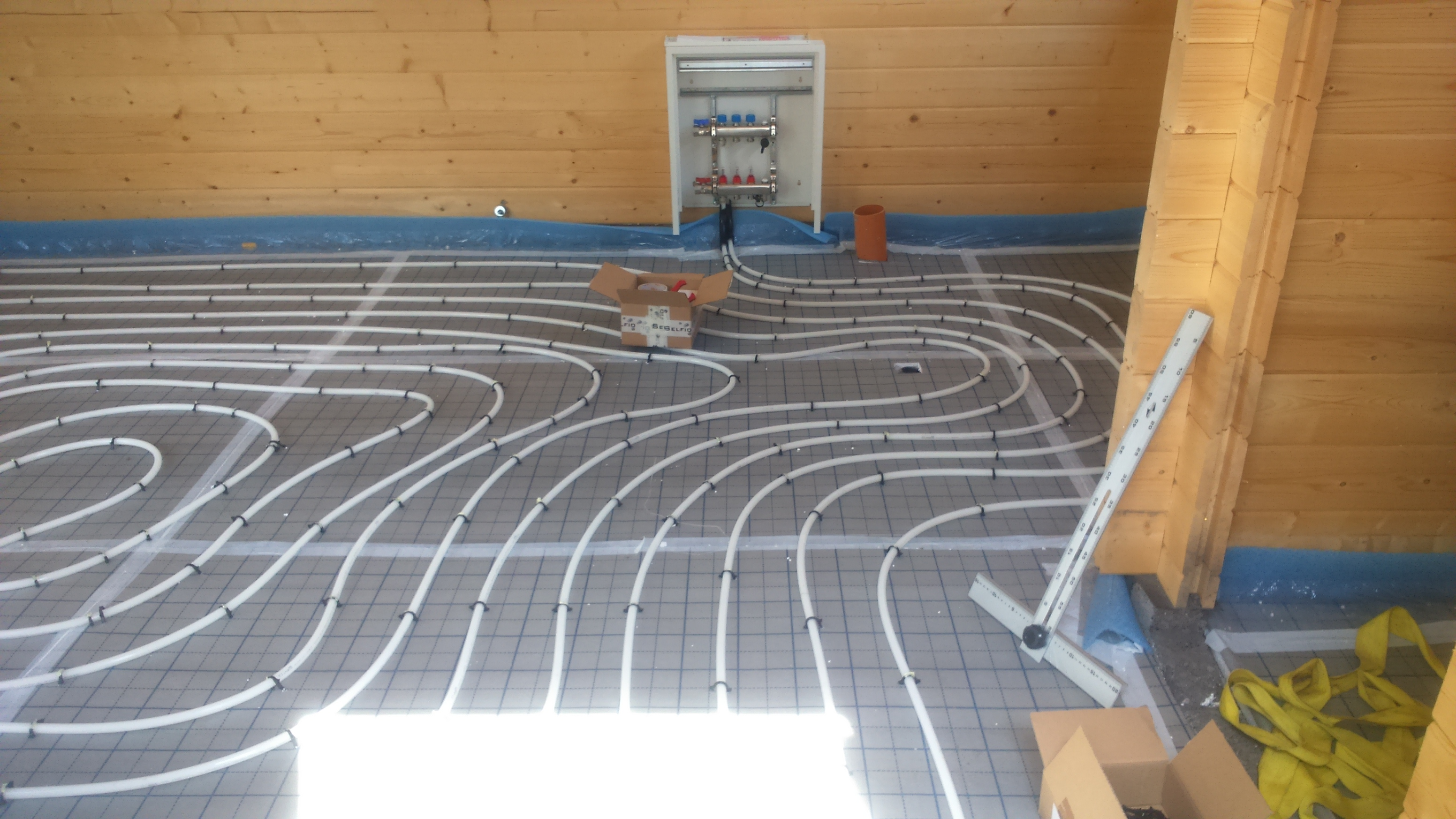 Top etablering af gulvvarme – mini house HN73